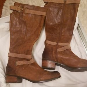 UGG Shoes - Ugg distressed leather boots